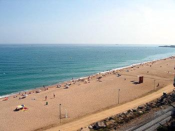 Hotel carlos canet de mar espa a for Piscina canet de mar