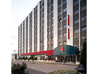 Hotel ibis paris berthier porte de clichy 17 me paris 17e arrondissement francia - Fourriere porte pouchet paris 17 ...