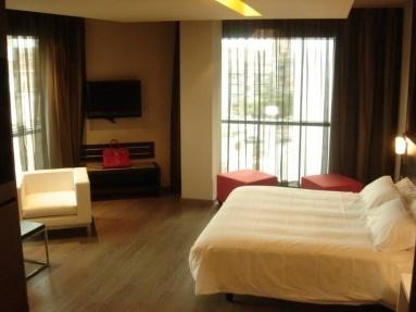 Hotel Oasis Talavera, Talavera De La Reina, España. Mosaic Hotel ,Noida New Delhi N.C.R.. Hotel Centrale. Hobson Motor Inn. Lyndhurst. Bexhill Bed And Breakfast. Gollner Hotel. Carriden Hotel Shenzhen. Best Western Ambassador Hotel Bosten
