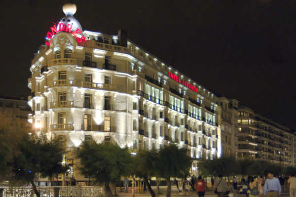 Hotel londres y de inglaterra saint s bastien espagne for Hotel cube londres