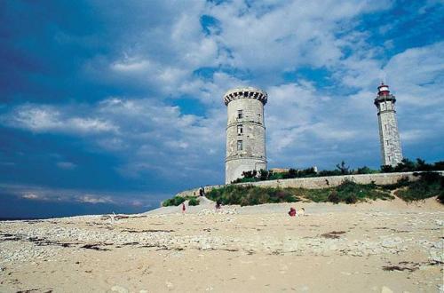 Hotel Thalacap Ars En Re Charente Maritime France Hotelsearch Com