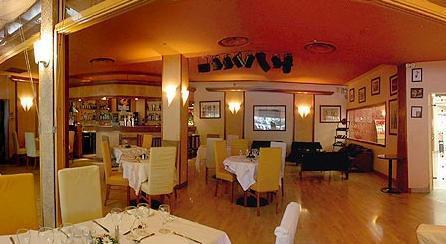Casino le phoebus restaurant tomtom via 130 sd card slot