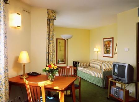 Hotel citadines apart 39 hotel lyon presqu 39 le lyon 2e for Apart hotel citadines