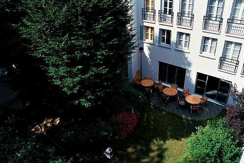 aparthotel adagio city aparthotel montmartre paris 18e arrondissement france. Black Bedroom Furniture Sets. Home Design Ideas