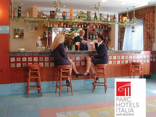Hotel caesar palace giardini italien - Hotel caesar palace giardini naxos ...