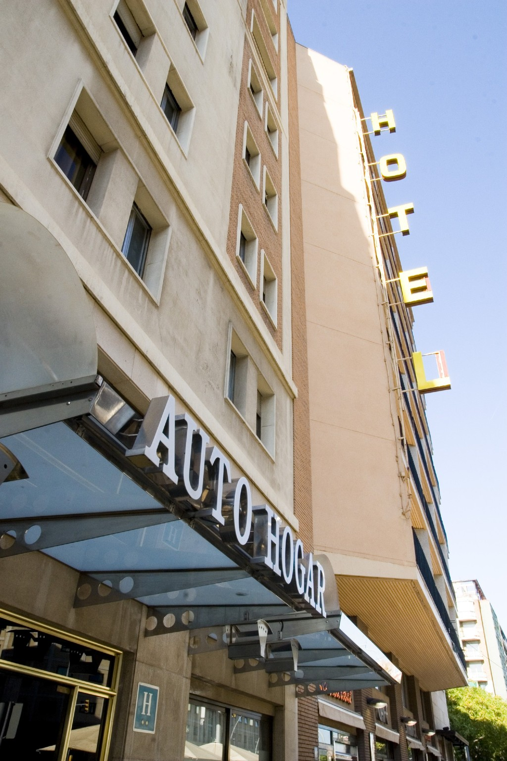 Hotel auto hogar barcelona spain for Hotel search