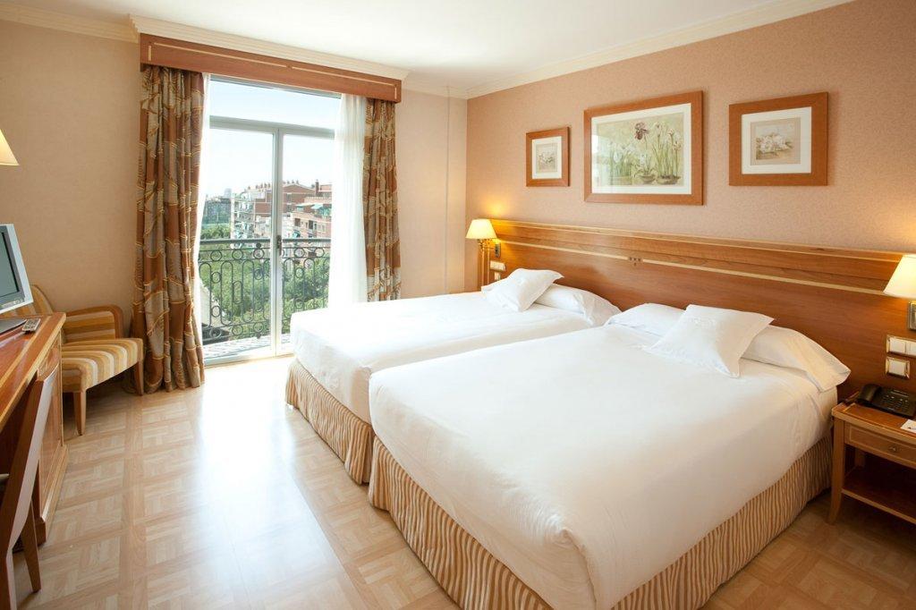 Hotel jard n metropolitano madrid espa a for Hotel habitacion cuadruple madrid