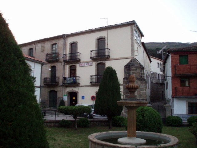 Hostel mart n ba os de montemayor espa a - Termas de banos de montemayor ...