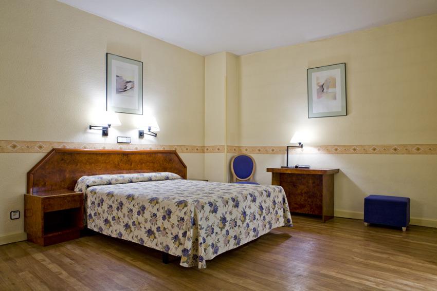 Aparthotel tribunal madrid spain for Appart hotel madrid