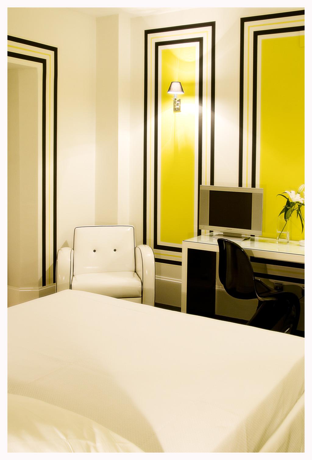 Room Mate Lola Malaga Telefono